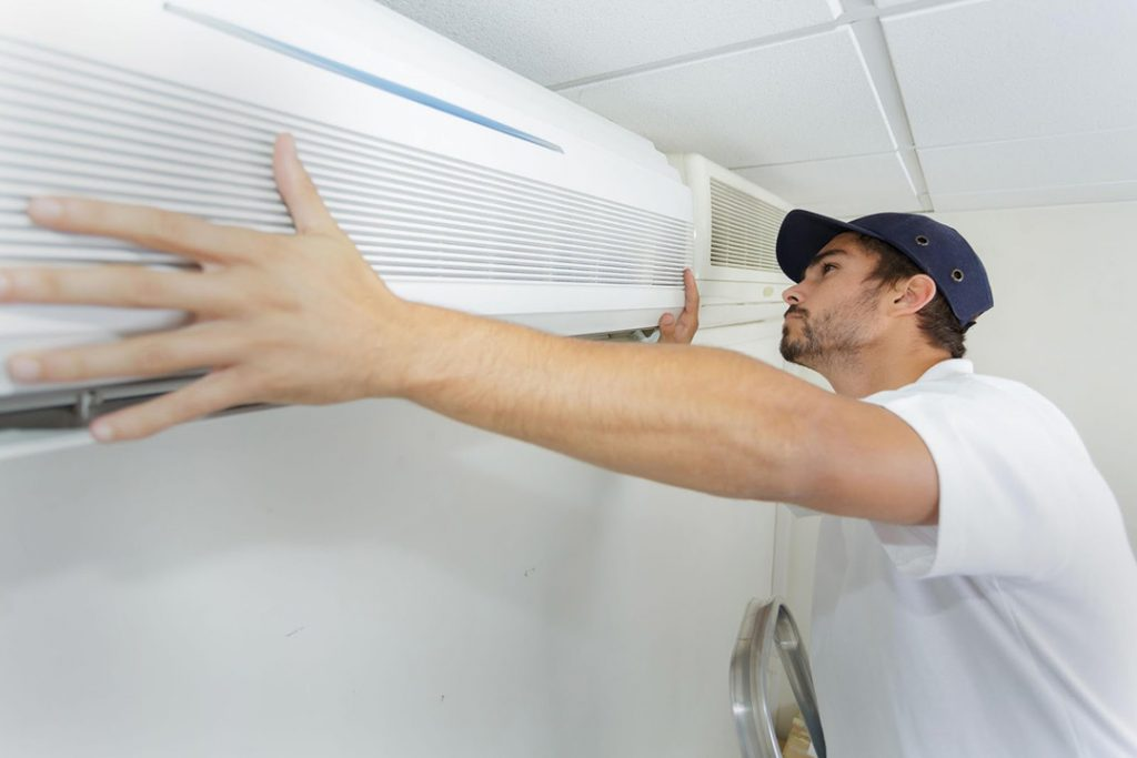 How to Choose between a Split System and a Ducted Air Conditioning System